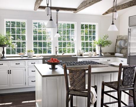 White-Airy-Kitchen-HTOURS0207-de-28693249